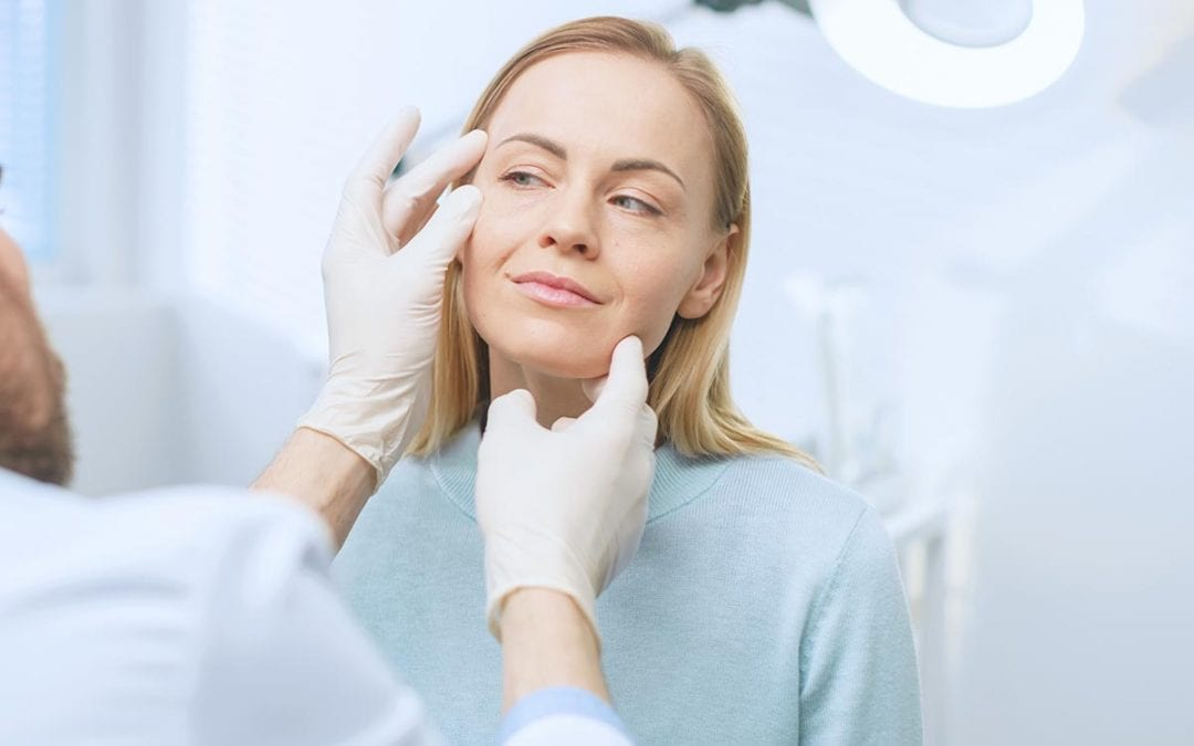An Expert's Guide to Planning Your Facelift Surgery [And What to Avoid]